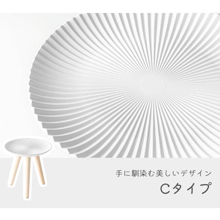 まるでレースを敷いたような繊細なデザイン。モロッコ風デザインのおしゃれな トレーテーブル Mサイズ LFS-191 東谷