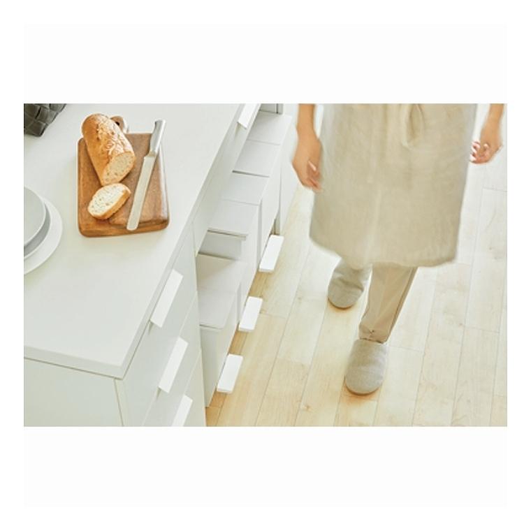 抗菌と防汚のダブル加工 ゴミ箱20L 日本製 コンパクトなペダルダストボックス 22×36×38cm 東谷